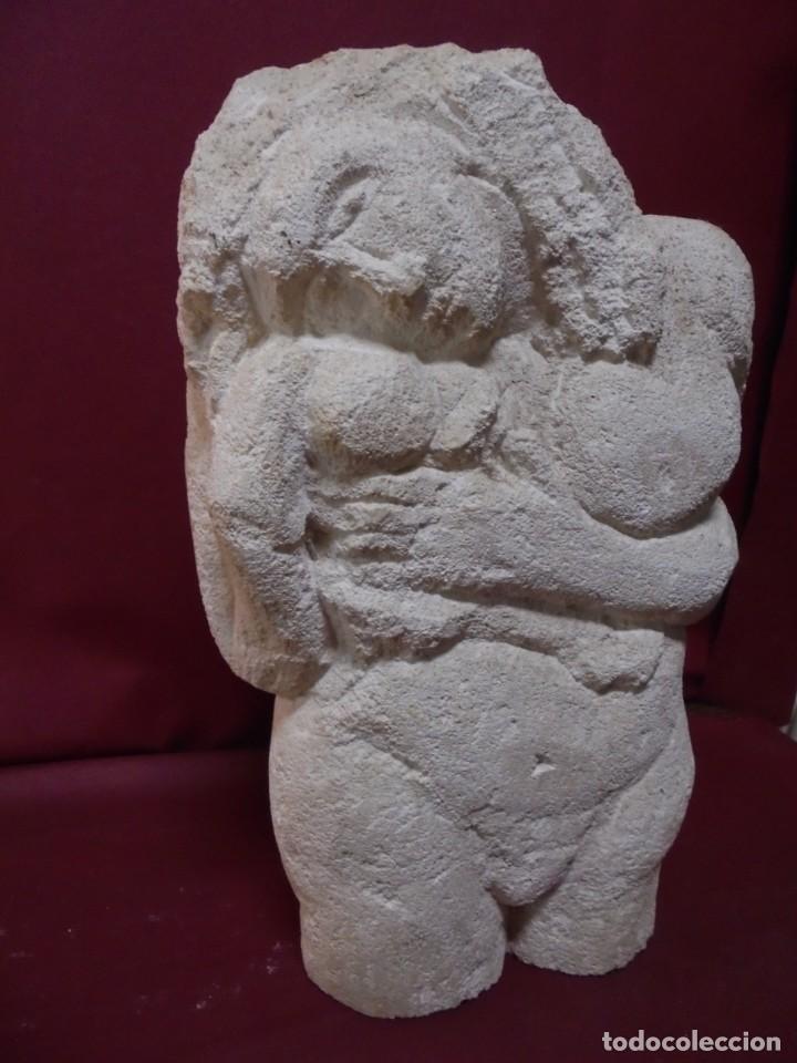 Arte: magnifica escultura en piedra tallada,mujer desnuda e hijo,preciosa - Foto 2 - 150644030