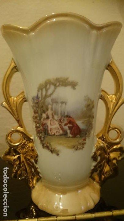 Arte: Jarrones isabelinos porcelana sellados de España - Foto 2 - 150744198