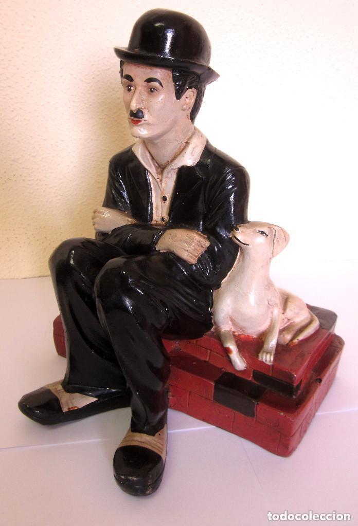 GRAN FIGURA CHARLOT CHARLES CHAPLIN PELÍCULA VIDA DE PERRO RESINA SIMILAR 30 CM (Arte - Escultura - Resina)