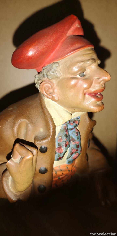 Arte: Figura realizada en terracota de Ignasi Buxo, principios del siglo veinte, le falta un dedo - Foto 2 - 152883618