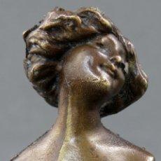 Arte: SELLO EN BRONCE ART NOUVEAU MODERNISTA BUSTO FEMENINO HACIA 1910. Lote 154967190