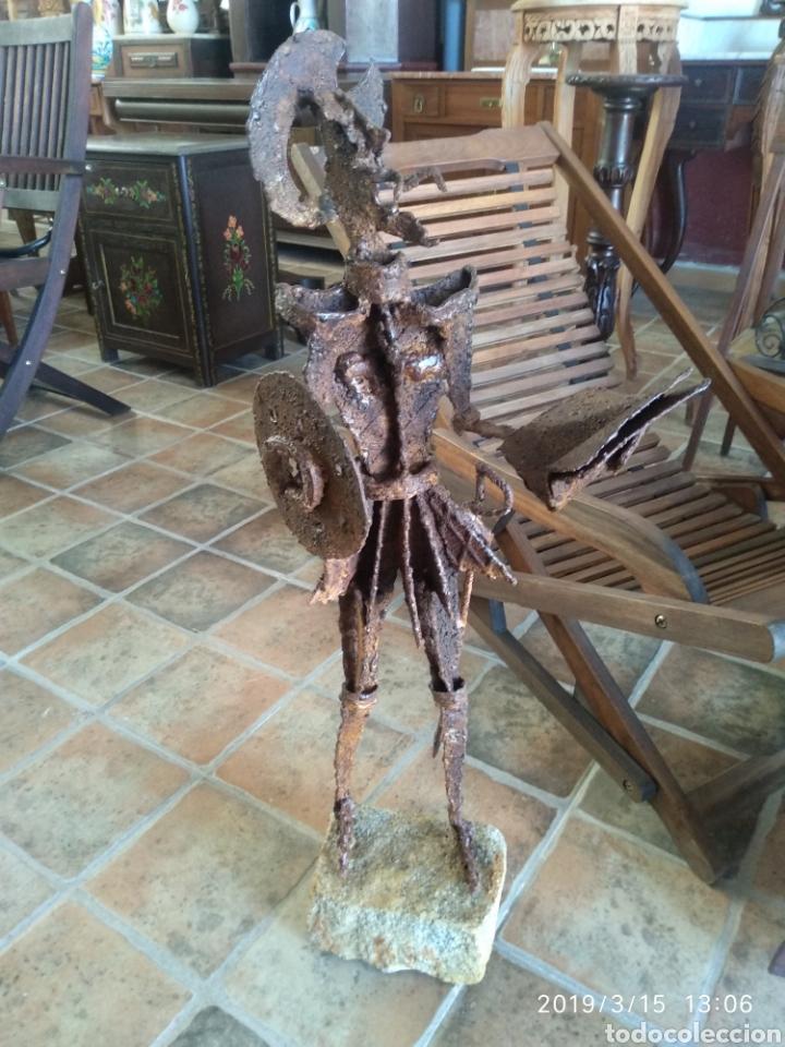 ESCULTURA DON QUIJOTE DE LA MANCHA EN HIERRO POR JULIO CORRALES BRAVO (Arte - Escultura - Hierro)