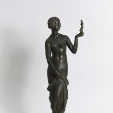 Arte: JOSEPH EMMANUEL CORMIER YOUNG NAKED WOMAN - BRONZE - CAST IRON SUSSE FRÈRES EDITEURS PARIS - H. 46 C. Lote 155383122