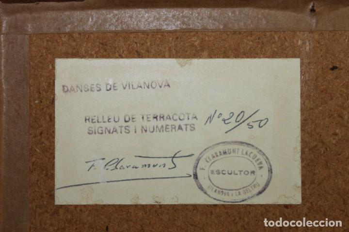 Arte: RELIEVE DE TERRACOTA DANSES DE VILANOVA FIRMADO F. CLARAMUNT LACUEVA Nº20/50 - Foto 8 - 155452762