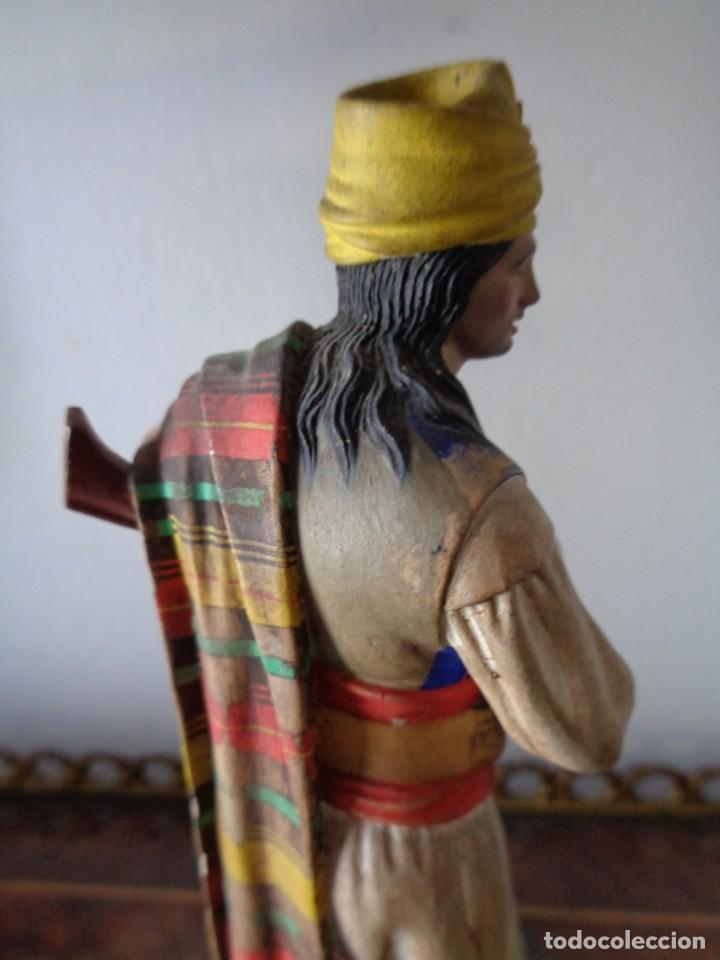Arte: BARRO MALAGUEÑO DE JOSÉ CUBERO. -Murciano con trabuco- MÁLAGA, S. XIX. MUY RARO, 18 CM. - Foto 10 - 155554970