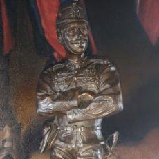 Arte: ANTIGUO BRONCE FRANCÉS REPRESENTANDO A OFICIAL DEL EJÉRCITO FECHADO 1880. Lote 158292558