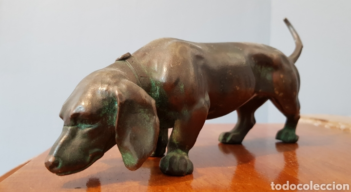 ESCULTURA BRONCE ANTIGUA GRAN CALIDAD DE PERRO SALCHICHA, SIN FIRMA. (Arte - Escultura - Bronce)
