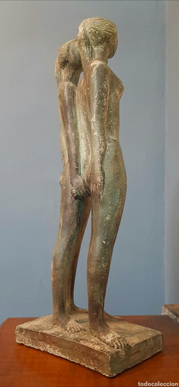 Arte: Chuck Dodson, preciosa escultura vintage 2 mujeres en piedra, firmada. - Foto 6 - 159401121