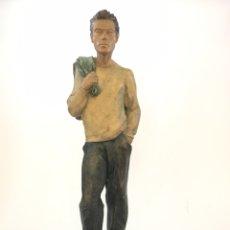 Arte: ESCULTURA DE JOVEN EN RESINA POLICROMADA - MARTI BONET - FECHADA EN 1986. Lote 159857861
