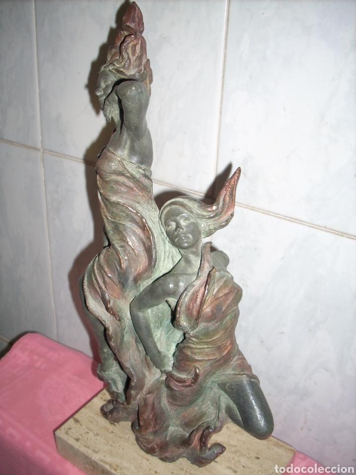 Arte: Figura de Bronce, 42 cm, Firmada. - Foto 3 - 160744209