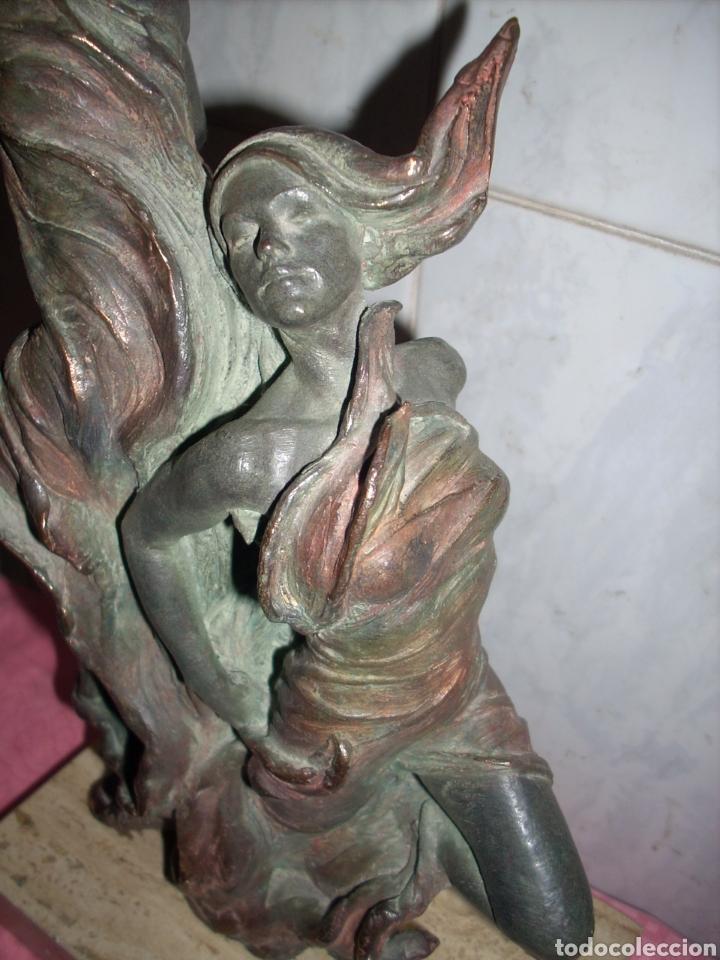 Arte: Figura de Bronce, 42 cm, Firmada. - Foto 8 - 160744209