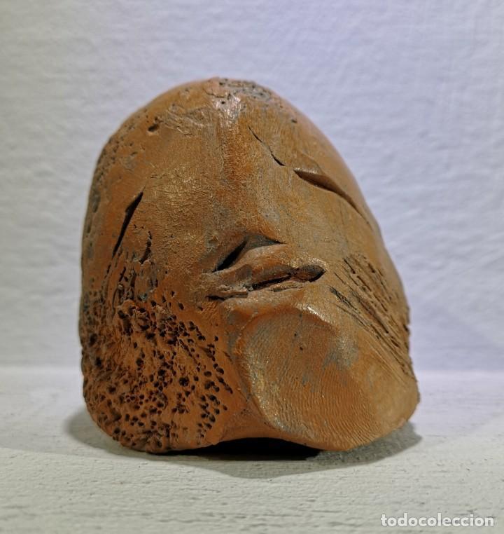 MANZANO, ACISCLO (OURENSE, 1940). CABEZA. TERRACOTA. (Arte - Escultura - Terracota )