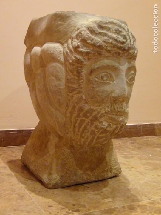 BEBEDERO DE PIEDRA CON BUSTO TALLADO...VER VIDEO!!! (Arte - Escultura - Piedra)