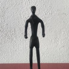 Arte: ESCULTURA DE BRONCE, FUTBOLISTA FÚTBOL FOOTBALL. ANÓNIMO 1960,S.. Lote 163325262