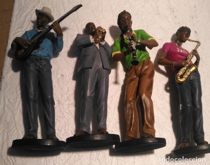 Arte: Lote 4 figuras de Conjunto de música de jazz 27x10 - Foto 2 - 163757202