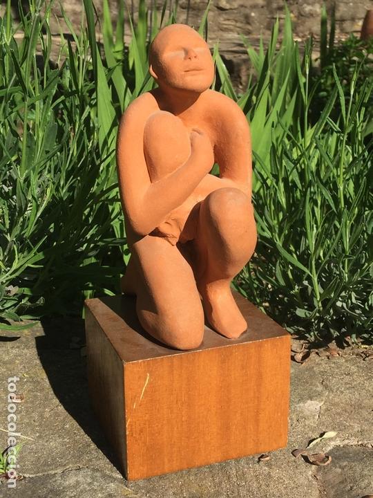 Arte: Excepcional escultura de la artista Anna Manel·la en terracota. año 1977. Inédita. - Foto 3 - 163959958
