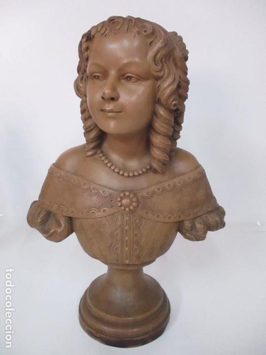 PRECIOSA ESCULTURA - BUSTO DE DAMA, CONDESA FRANCESA - FIRMA CHARLES CARON (BEAUVAIS 1850) FRANCIA (Arte - Escultura - Terracota )