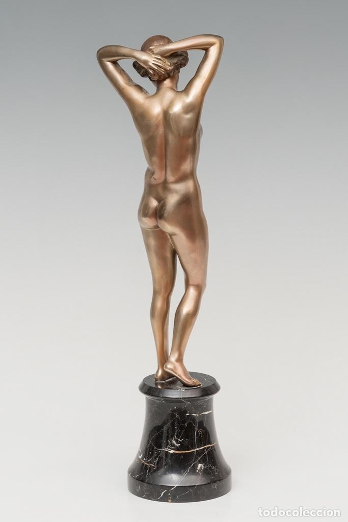 Arte: 42,2 cm. BRONCE PATINADO DE JOSEF LORENZL . AUSTRIA . ORIGINAL ESCULTURA ART DECO 1920 - 1930 - Foto 3 - 27600308