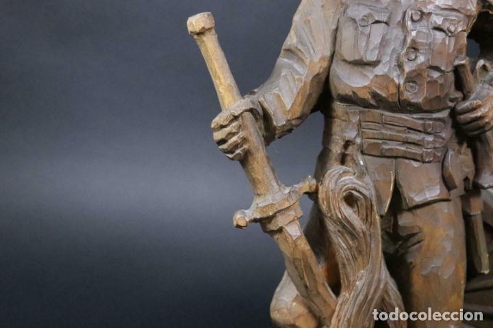Arte: MAGNIFICA ESCULTURA talla mano Bombero manguera incendios tallado madera personaje S.XIX AL 50 cm - Foto 2 - 164679950