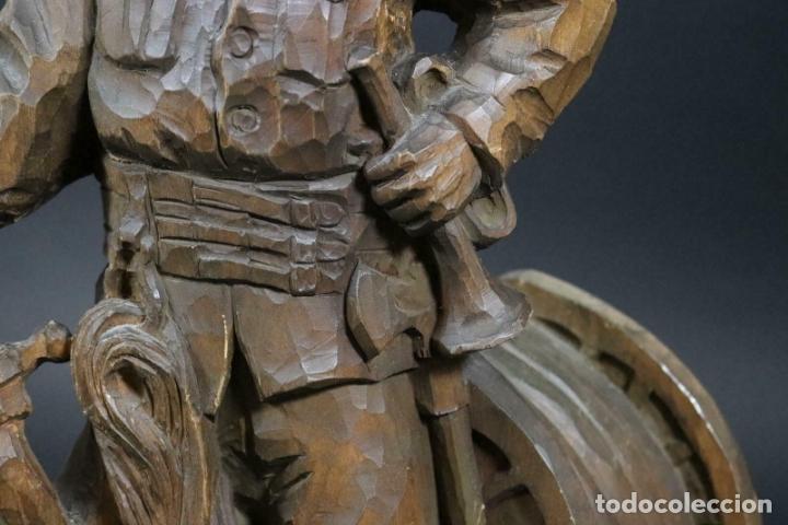 Arte: MAGNIFICA ESCULTURA talla mano Bombero manguera incendios tallado madera personaje S.XIX AL 50 cm - Foto 3 - 164679950