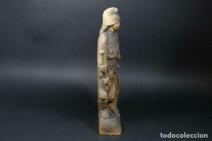 Arte: MAGNIFICA ESCULTURA talla mano Bombero manguera incendios tallado madera personaje S.XIX AL 50 cm - Foto 12 - 164679950