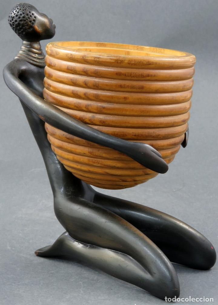 Arte: Escultura mujer africana en bronce y cuenco de madera atribuida a Franz Hagenauer Austria 1906 1986 - Foto 3 - 164710242