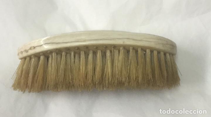Arte: Cepillo de juego de tocador en marfil principios S. XX - Foto 5 - 164845350