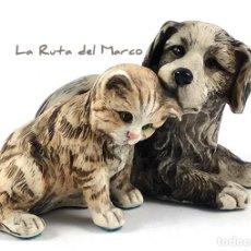 Arte: PERRO Y GATO - FIGURA ITALIANA DE RESINA -FIRMADA NIGRI - PINTADA A MANO. Lote 166016318