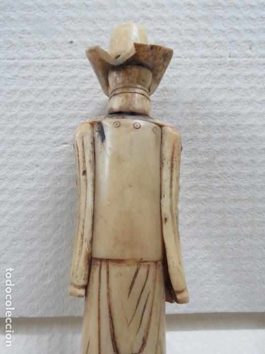 Arte: MARAVILLOSA TALLA JAPONESA EN MARFIL DE UN HOMBRE CON SOMBRERO, DATA DEL SIGLO XIX, 31,5 CMS - Foto 10 - 167669473