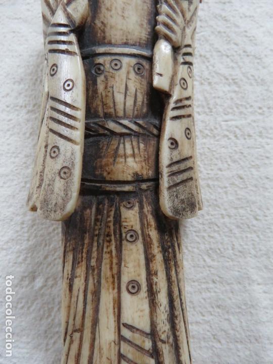Arte: BONITA TALLA JAPONESA EN MARFIL-HUESO DE UNA MUJER CON ABANICO, DATA DEL SIGLO XIX, 33,5 CMS - Foto 11 - 167793128