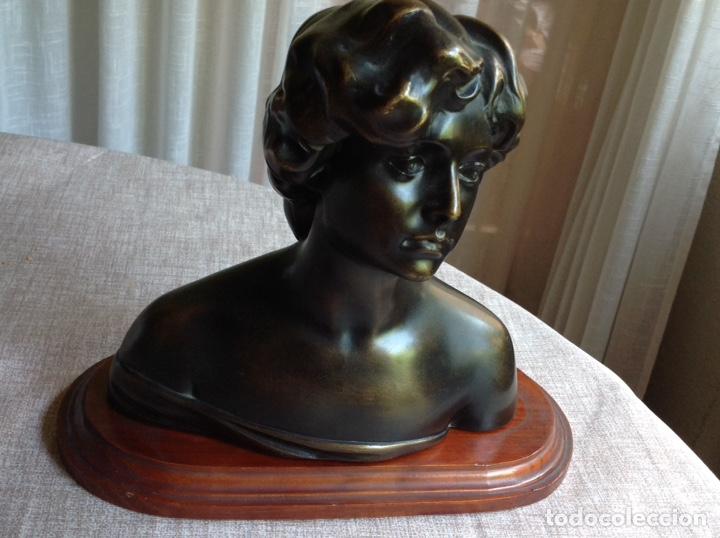 BUSTO EN BRONCE MUJER (MACIZO) (Arte - Escultura - Bronce)