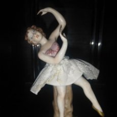 Arte: HERMOSA FIGURA BAILARINA BALLET CLASICO EN PORCELANA VIDRIADA CON TUL. Lote 168447756