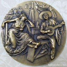 Art - GRAN MEDALLA MEDALLON EN BRONCE MACIZO DEL PINTOR JOSE MALHOA Y EL FADO EDICION LIMITADA Y NUMERADA - 168508913