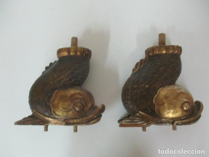 DECORATIVAS PATAS EN FORMA DE PEZ - IMPERIO -TALLA DE MADERA POLICROMADA Y DORADA -PRINCIPIOS S. XIX (Arte - Escultura - Madera)