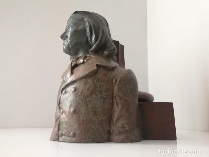 ESCULTURA PREMIO POR ANGEL DE LUNA NUMERADA 72/150 (Arte - Escultura - Resina)