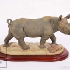 Arte: ESCULTURA DECORATIVA JACKIE NOAKES DE RESINA - RINOCERONTE NEGRO - SAVANNAH WILDLIFE COLLECTIONS. Lote 170914890