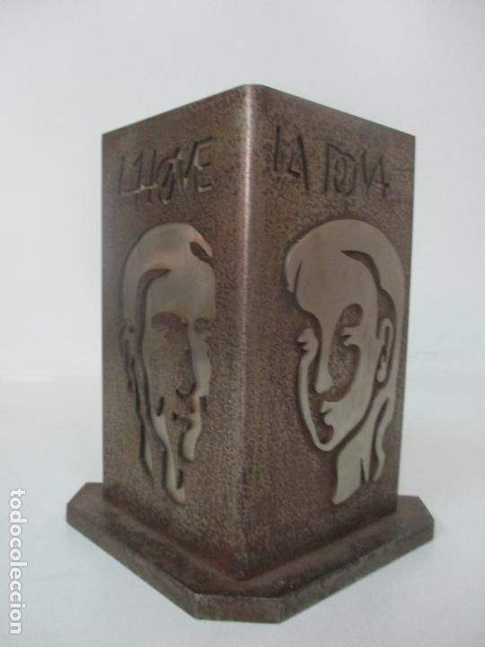 Arte: Escultura Hierro y Acero Inox - Firma Domenech Fita Molat (Girona 1927) - L´Home, La Dona - Foto 9 - 171116932