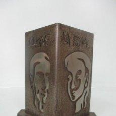 Arte: ESCULTURA HIERRO Y ACERO INOX - FIRMA DOMENECH FITA MOLAT (GIRONA 1927) - L´HOME, LA DONA. Lote 171116932