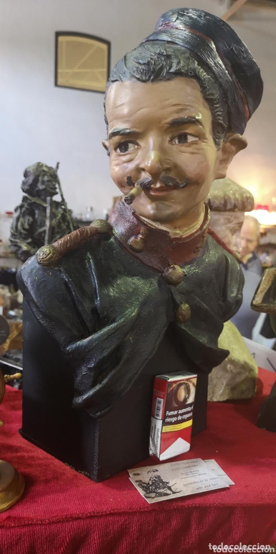 BUSTO DE TERRACOTA DE SOLDADO DE ARTILLERÍA ÉPOCA ALFONSO XIII CON GORRO PANADERO (Arte - Escultura - Terracota )