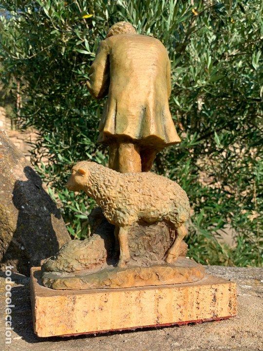 Arte: Espectacular escultura de Josep Bofill -pastor con perro y oveja- firmada y numerada - Foto 4 - 172932153