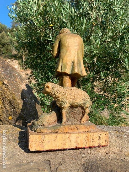 Arte: Espectacular escultura de Josep Bofill -pastor con perro y oveja- firmada y numerada - Foto 10 - 172932153