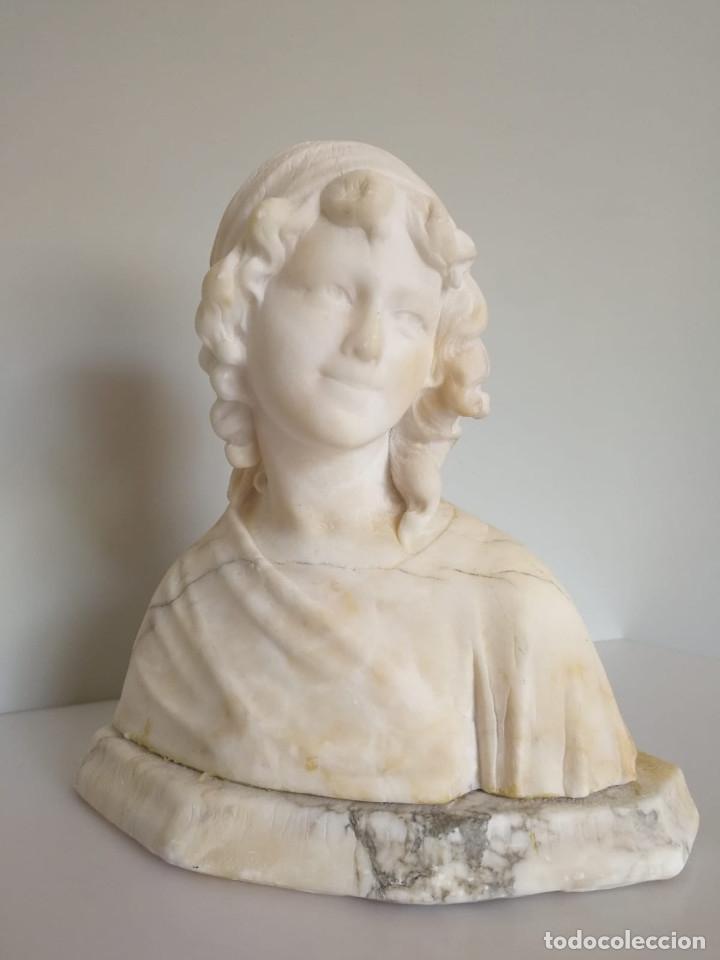 ANTIGUO BUSTO TALLADO EN ALABASTRO FIRMADO (Arte - Escultura - Alabastro)
