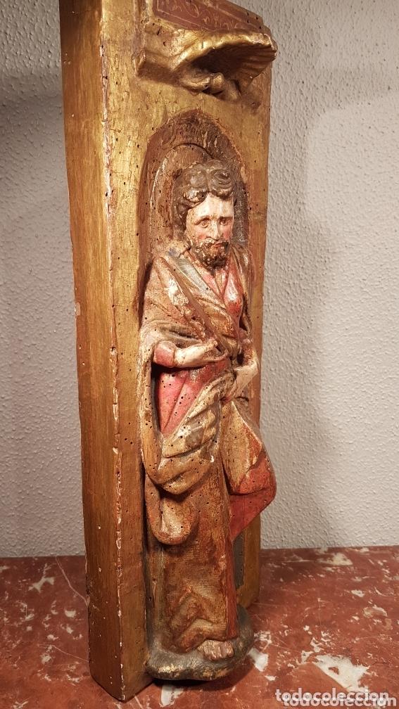 Arte: Relieve Escuela Castellana siglo XVI de evangelista con policromía original en excelente estado de c - Foto 6 - 173682569