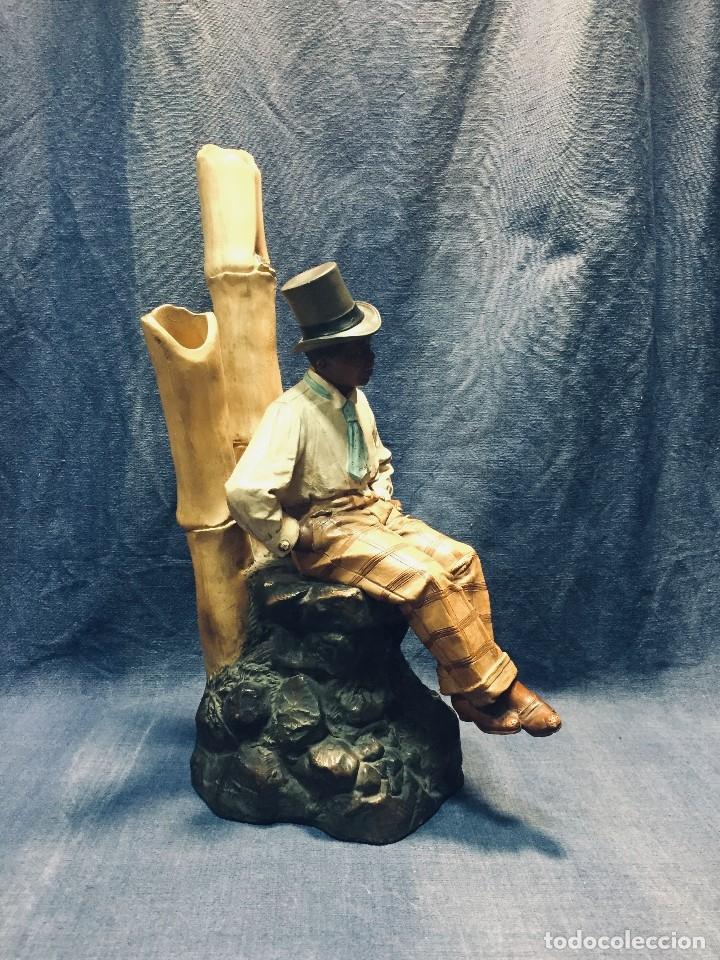 Arte: escultura terracota chico negro color americano sombrero copa sentado firma goldscheider austria 37c - Foto 3 - 173715164
