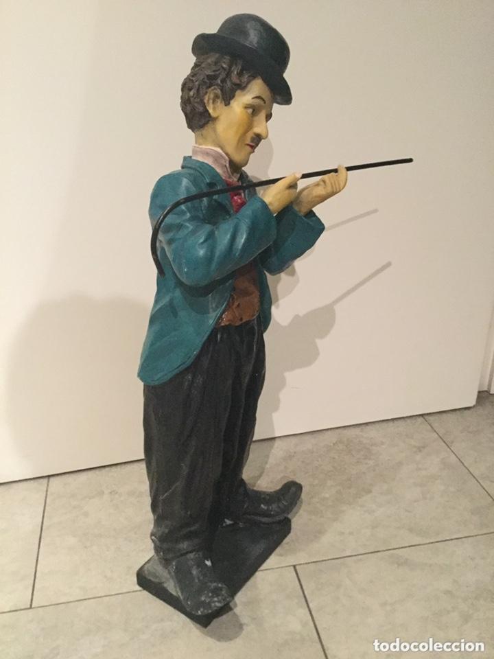 Arte: ESPECTACULAR GRAN FIGURA DE CHARLES CHAPLIN 58 cm de alto.años 80 . resina - Foto 3 - 173823107