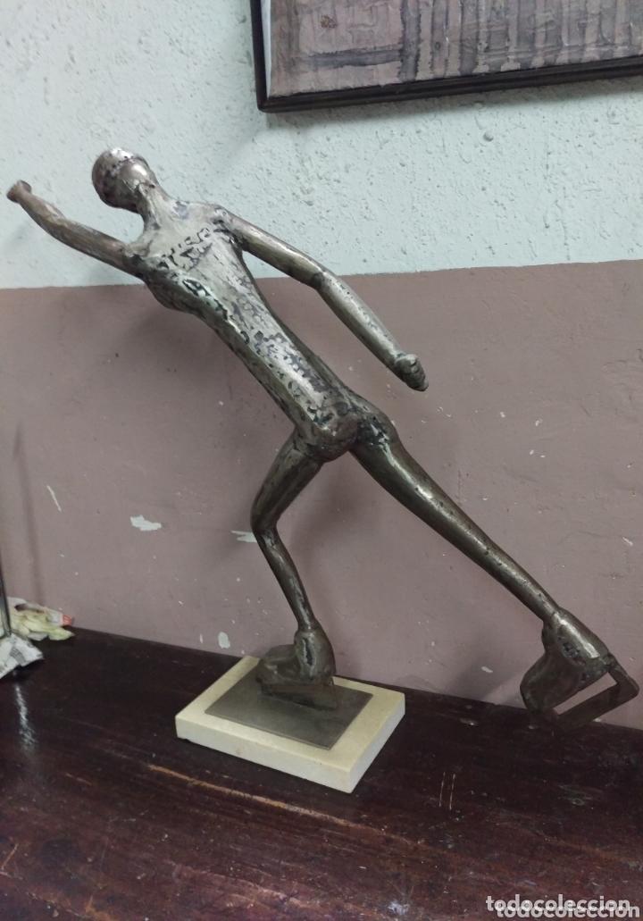 Arte: A. MARIÑAS. Escultura PATINADORA de hierro con fecha y firma de autor - Foto 4 - 173860014