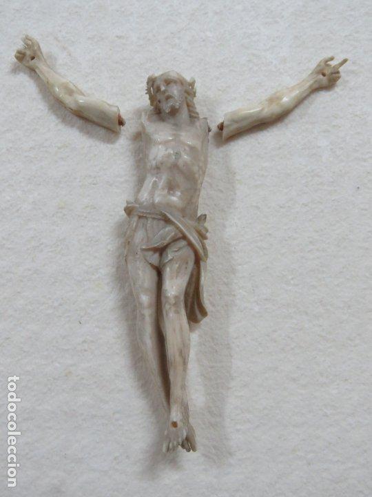 Arte: BONITO CRISTO CRUCIFICADO HECHO COMPLETO EN MARFIL DEL SIGLO XVIII, BRAZOS SUELTOS, 15 CMS - Foto 2 - 173904227