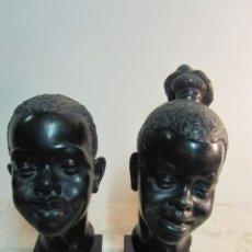 Arte: EXPRESIVAS CARAS DE AFRICANOS REALIZADAS EN TERRACOTA CON BASE DE MADERA FIRMA MULLARD. Lote 194589422