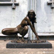 Arte: MUJER DESNUDA, ESCULTURA EROTICA DE BRONCE SOBRE UNA BASE DE MÁRMOL. Lote 174382167