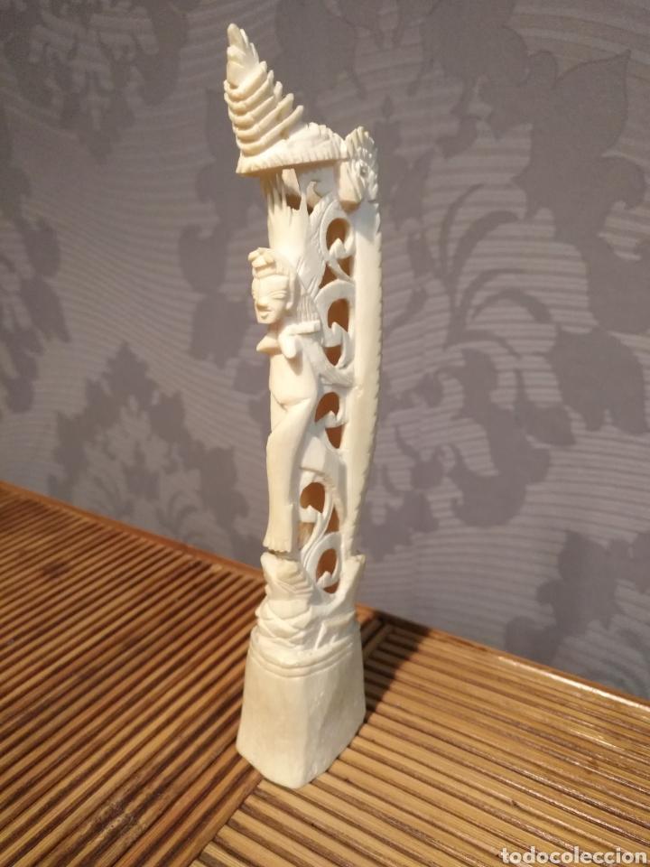 ANTIGUA FIGURA TOTEM HUESO , TALLA HUESO FIGURA FERTILIDAD , PESO 77 GR TAMAÑO 4 X 3 X 19 CM (Arte - Escultura - Hueso)